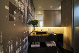 ONE_Pompéia: Banheiros modernos por Chris Silveira & Arquitetos Associados