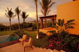 tropical Garden by BR  ARQUITECTOS