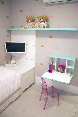 Chambre d'enfant de style de style eclectique par Lote 21 Arquitetura e Interiores