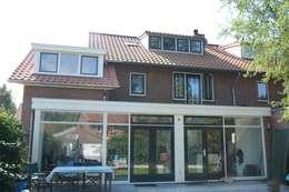 achterzijde: klasieke Huizen door TIEN+ architecten