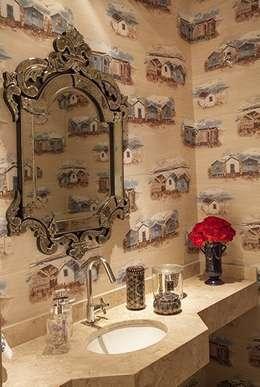 Baños de estilo clásico por Maria Teresa Rodrigues Alves