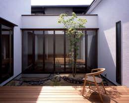 eclectic Garden by 飯塚建築工房