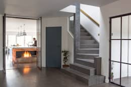 Private Residence, Surrey: modern Corridor, hallway & stairs by Nice Brew Interior Design