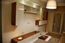 ROAS Mimarlık – TV Ünite - Misafir Odası: modern tarz Oturma Odası