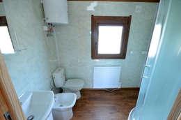 classic Bathroom by Letniskowo.pl s.c. Jacek Solka, Marek Garkowski