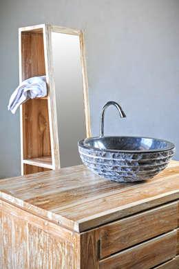 Baños de estilo  por WOODSTONEBALI