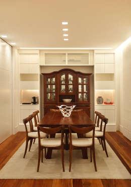 Casa 21: Salas de jantar modernas por Estúdio Barino | Interiores