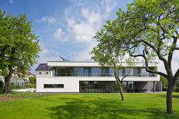 Wohnhaus Solingen: moderne Häuser von Bahl Architekten BDA