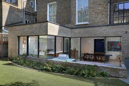 Projekty, nowoczesne Domy zaprojektowane przez Alex Maguire Photography