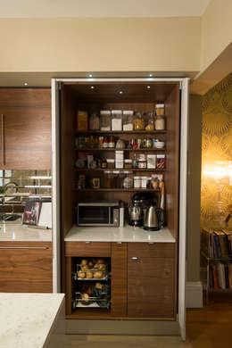 Cozinhas modernas por Chalkhouse Interiors