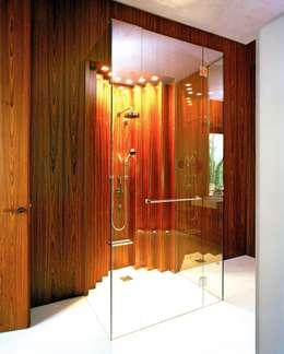 modern Bathroom by SilvestrinDesign