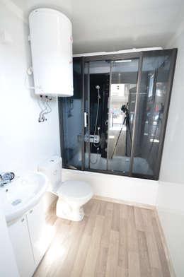 modern Bathroom by Letniskowo.pl s.c. Jacek Solka, Marek Garkowski
