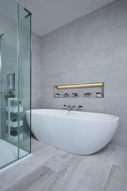 حمام تنفيذ Etons of Bath