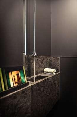 Volume-design: Salle de bains de style  par volume