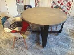 Обеденный стол в стиле лофт: Кухня в . Автор – Werk Haus SPB
