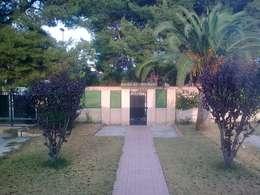 Casa del Porche de Piedra:  de estilo  de LLIBERÓS SALVADOR Arquitectos