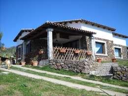 rustic Houses by SOGEDI costruzioni