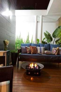 Casa AP+VP: Jardins de inverno modernos por ANDRÉ PACHECO ARQUITETURA