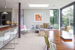 Ruang Makan by Nic  Antony Architects Ltd