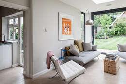 Projekty,  Salon zaprojektowane przez Nic  Antony Architects Ltd