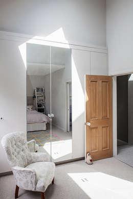 classic Bedroom by Nic  Antony Architects Ltd