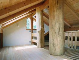 ロフト: 遠藤浩建築設計事務所 H,ENDOH  ARCHTECT  &  ASSOCIATESが手掛けた和室です。