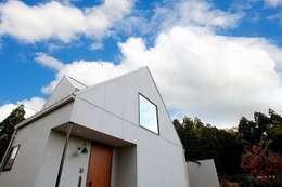 moderne Huizen door zuiun建築設計事務所 / 株式会社 ZUIUN
