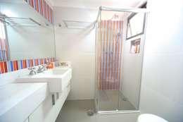 Salle de bains de style  par Item 6 Arquitetura e Paisagismo