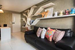 Salas / recibidores de estilo moderno por Fábrica Arquitetura