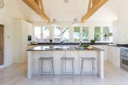 Cucina in stile In stile Country di Humphrey Munson