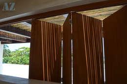 CASA MANGULICA: Ventanas de estilo  por Alberto Zavala Arquitectos