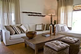 country Living room by Renato Teles Arquitetura