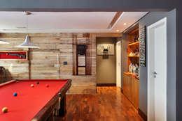 Salas de estilo moderno por Carolina Mendonça Projetos de Arquitetura e Interiores LTDA
