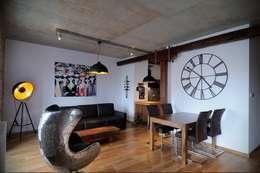 ARTEMA  PRACOWANIA ARCHITEKTURY  WNĘTRZ : endüstriyel tarz tarz Oturma Odası