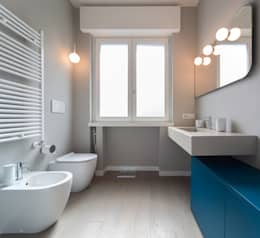 Baños de estilo  por ristrutturami