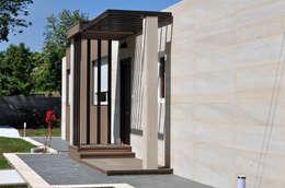 Projekty, nowoczesne Domy zaprojektowane przez Casas Cube