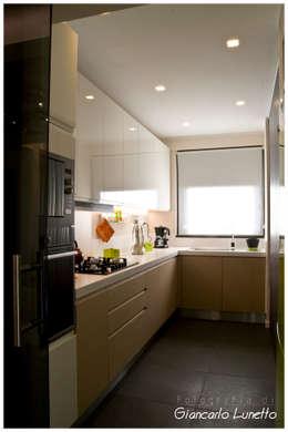 Nhà bếp by Ignazio Buscio Architetto