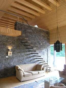 Domki w Dzikowie: styl , w kategorii Korytarz, przedpokój zaprojektowany przez M. i A. DOMICZ