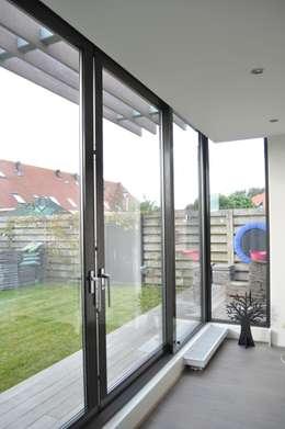 moderne uitbreiding van een eengezinswoning. Black Bedroom Furniture Sets. Home Design Ideas