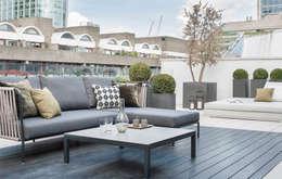 modern Balkon, veranda & terras door The Manser Practice Architects + Designers