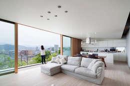 Ruang Keluarga by プラスアトリエ一級建築士事務所