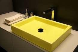 Salle de bain de style de style Moderne par TAU ARCHITETTURA