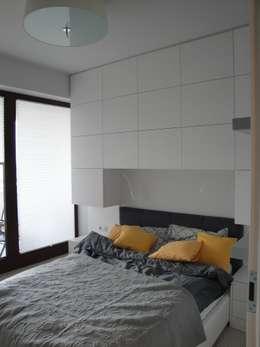 Mała sypialnia: styl , w kategorii Sypialnia zaprojektowany przez ,,Goya Art'' Małgorzata Świderska