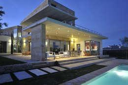 Casas de estilo mediterraneo por Chiarri arquitectura