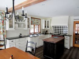 Country Farmhouse: Cuisine de style de style eclectique par Kathryn Osborne Design Inc.