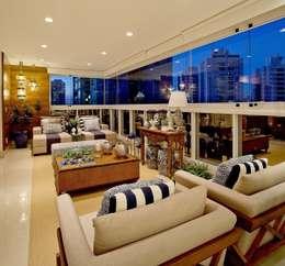 Terrazas de estilo  de Mariane e Marilda Baptista - Arquitetura & Interiores