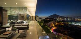 Casa MT: Terrazas de estilo  por GLR Arquitectos