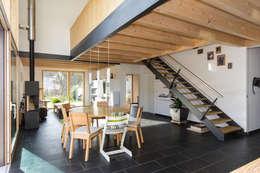 Haus OM in Seelbach: moderne Esszimmer von Schuler Architekten