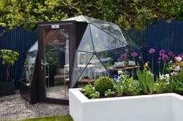 moderne Tuin door Solardome Industries Limited
