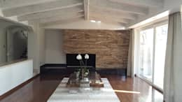 moderne Wohnzimmer von InteriorEs Silvana McColgan